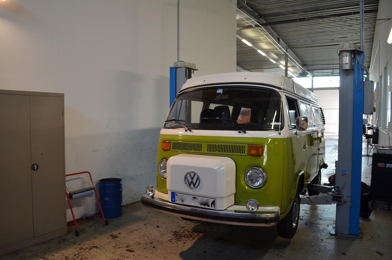 VW T2 Bulli bei Rostdiagnose