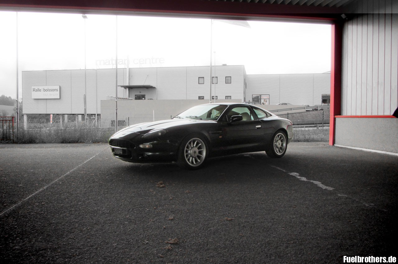 Aston-Martin-DB7-(1)