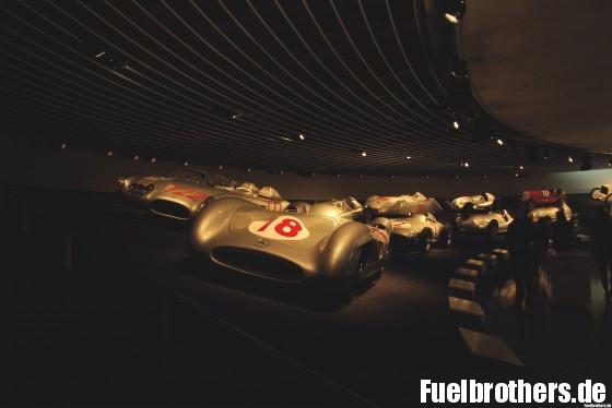 Mercedes-Benz Museum Ausstellung vergangener Rennerfolge