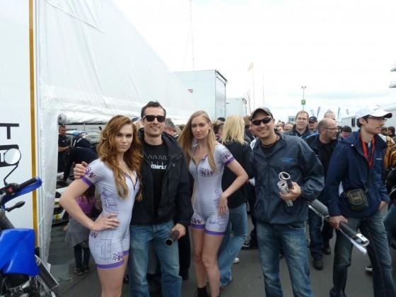 Fuelbrothers mit Gridgirls Nürburgring 24h 2012